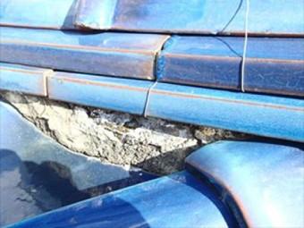瓦屋根の瓦のずれと漆喰の補修
