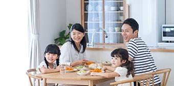 工事中も普段の生活を営む家族