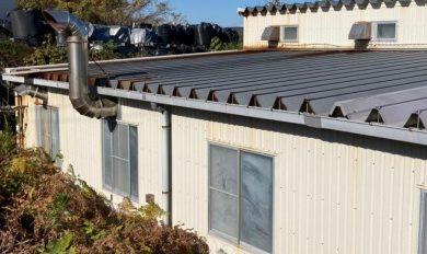 土岐市にて工場の折板屋根の一部を張替えしてきました