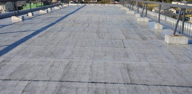 中津川市のアパートで屋上の防水工事の下地処理をしました