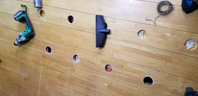床配線穴開け