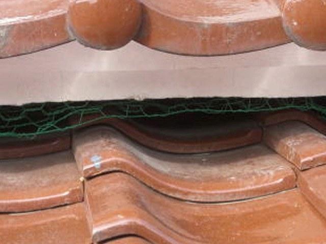 屋根の隙間