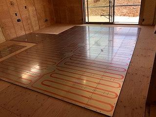 床暖パネル敷設状況