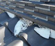 瓦屋根チェック4.漆喰が剥がれてきている・崩れてきている
